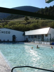 "<div><font size=""1"">Bazén s výhledem na hory.</font></div>