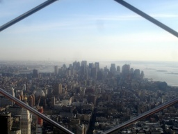 <p>Pohled směrem na Wall Street.<br />__________<br />View towards Wall Street.</p>