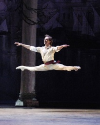 David Hallberg as Conrad in Le Corsaire.jpg