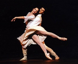 Manon -Darcey Bussell and Roberto Bolle.jpg