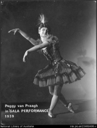 Peggy van Praagh in Gala performance, 1939.jpg