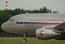 3085  Airbus A319-115-CJ Czech Air Force...JPG