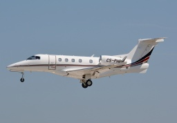 Embraer EMB-505 Phenom 300 CS-PHB (Netjets Europe)