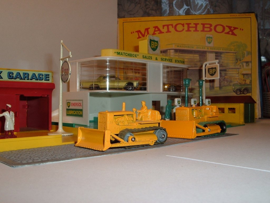 No 18 c, d2, Caterpillar Bulldozer, 1961, 1964