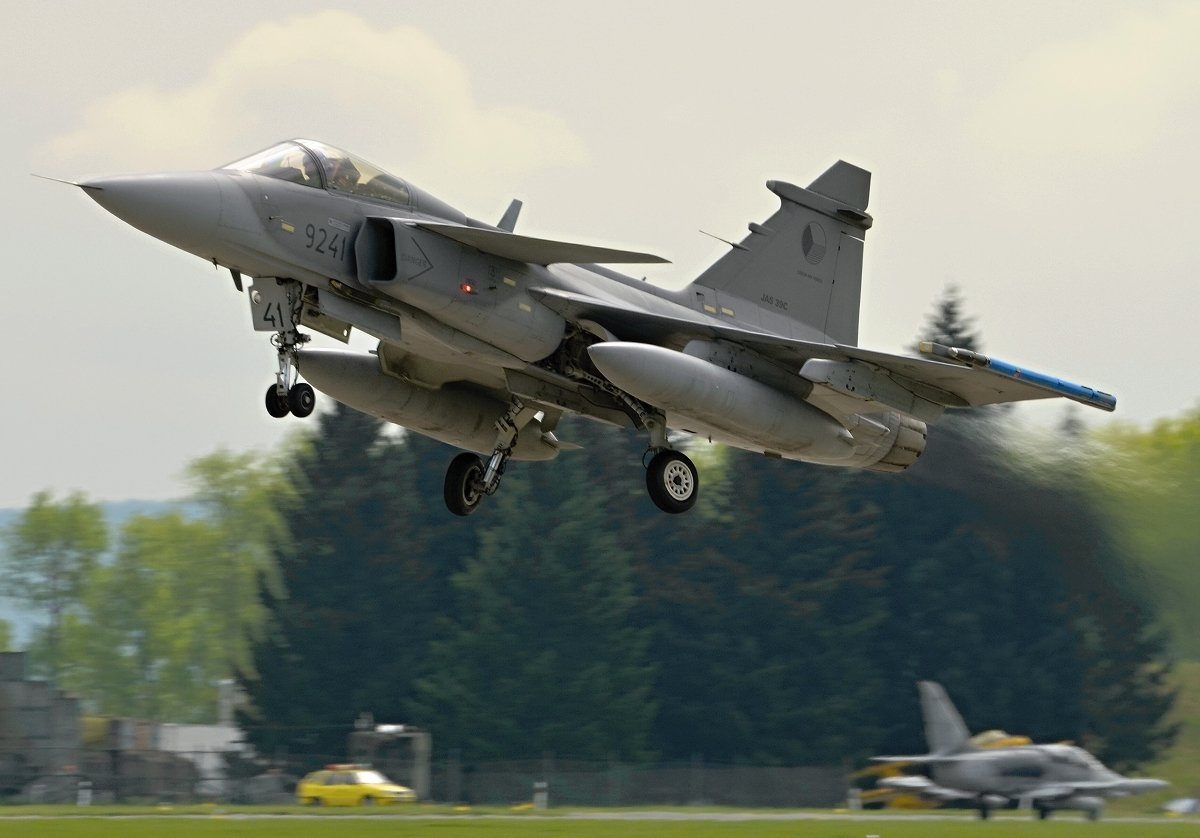 Saab 39C Gripen   Czech Air Force    9241