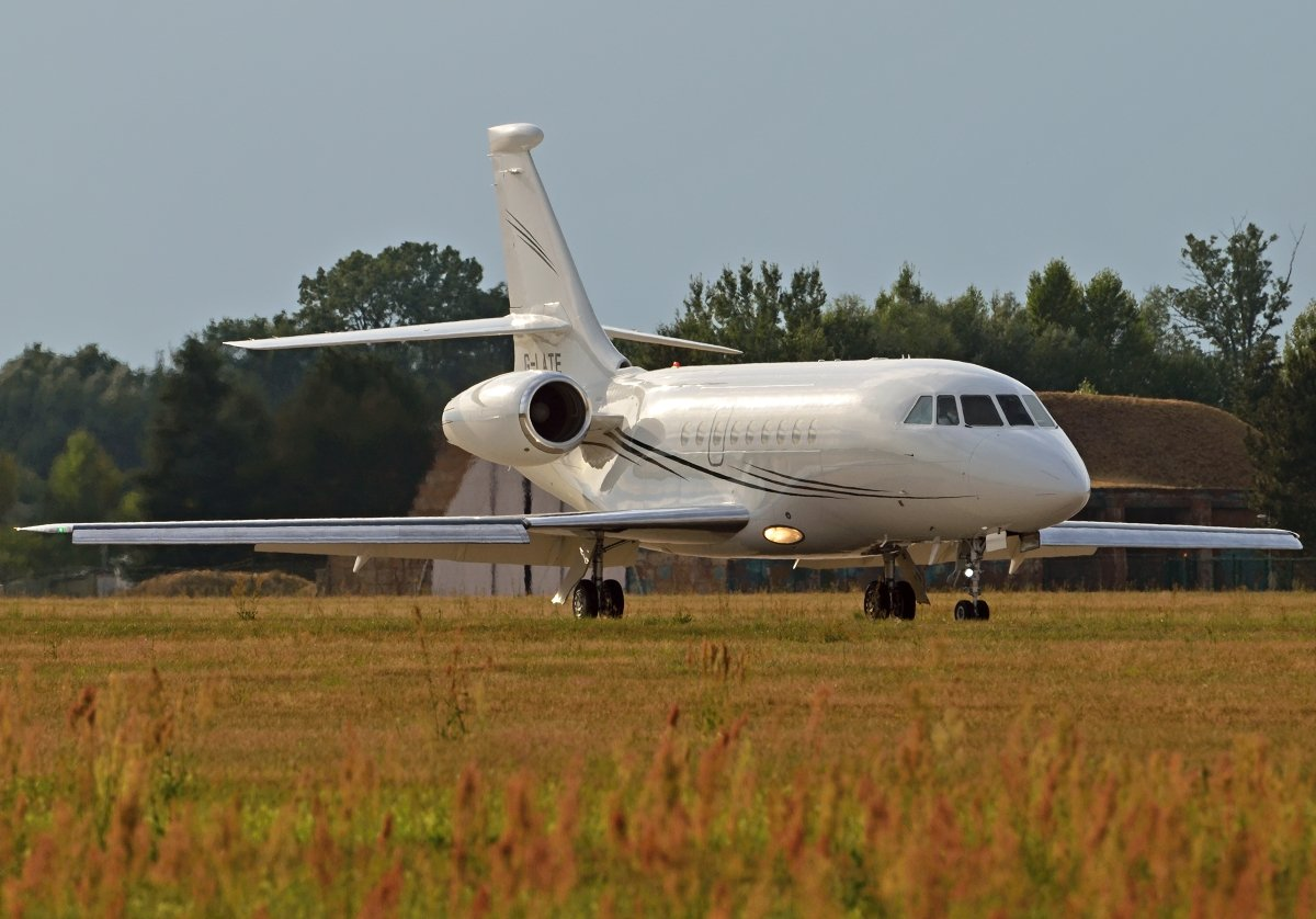 FALCON 2000EX HANGAR 8 MANAGEMENTG-LATE