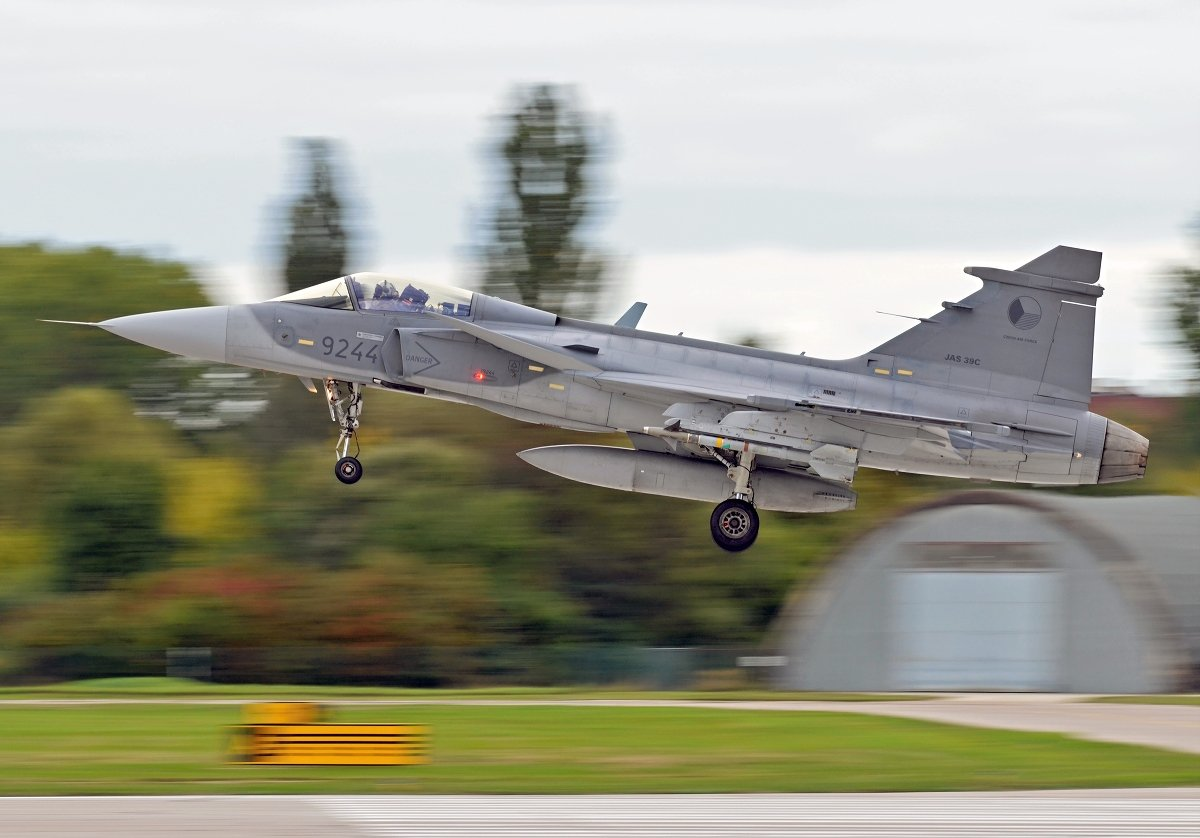 Saab 39C Gripen    Czech Air Force    9244