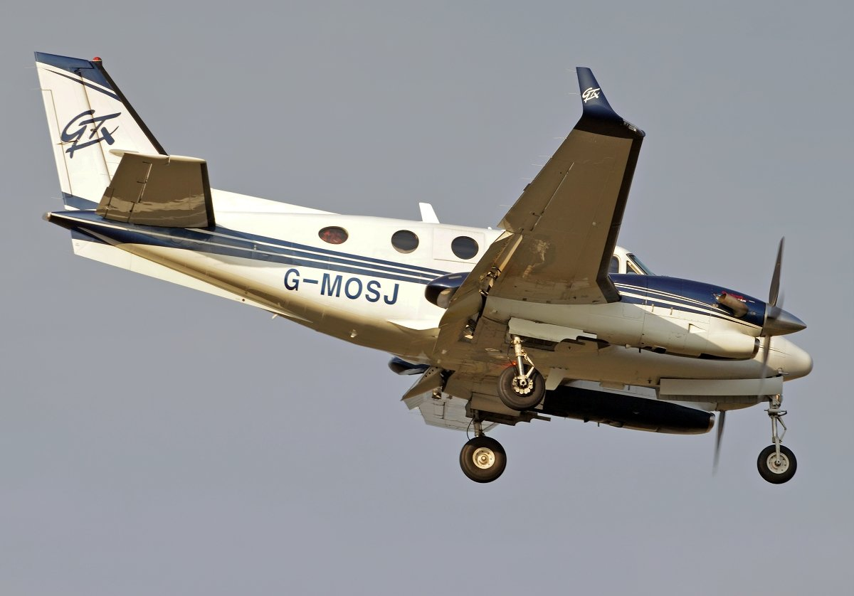 BEECH C90GTX JOTA AVIATION G-MOSJ