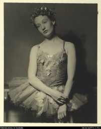 Laurel Martyn as the Bluebird,1942.jpg