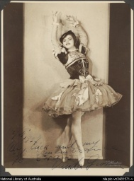 Vanda Grossen from the Ballets Russes,1937.jpg