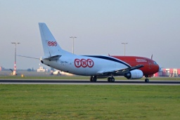 OO-TNJ B737-301 F   TNT Airways