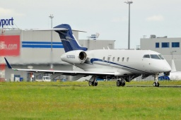 N295SG Bombardier BD-100- Challenger 300