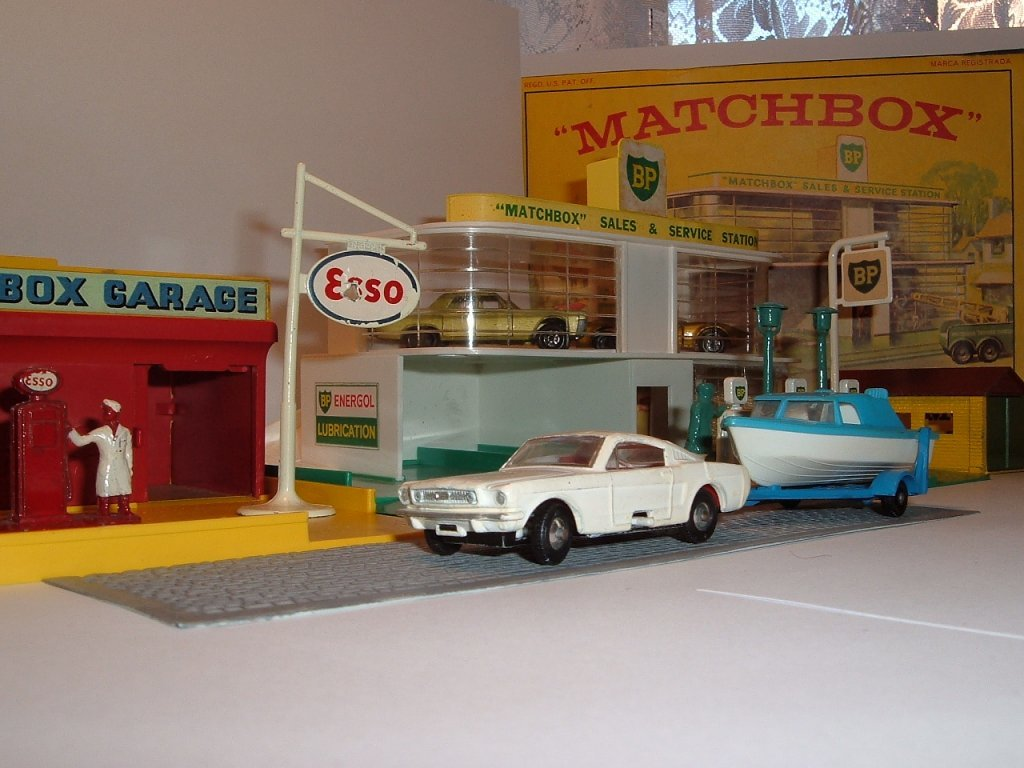 No 8 e, 9 d, Ford Mustang Fastback, Boat and Trailer, 1966, 1966