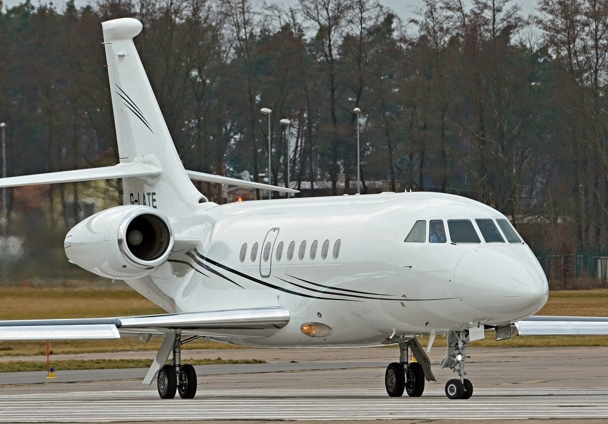 Falcon 2000EX   G-LATE    Hangar 8 Management