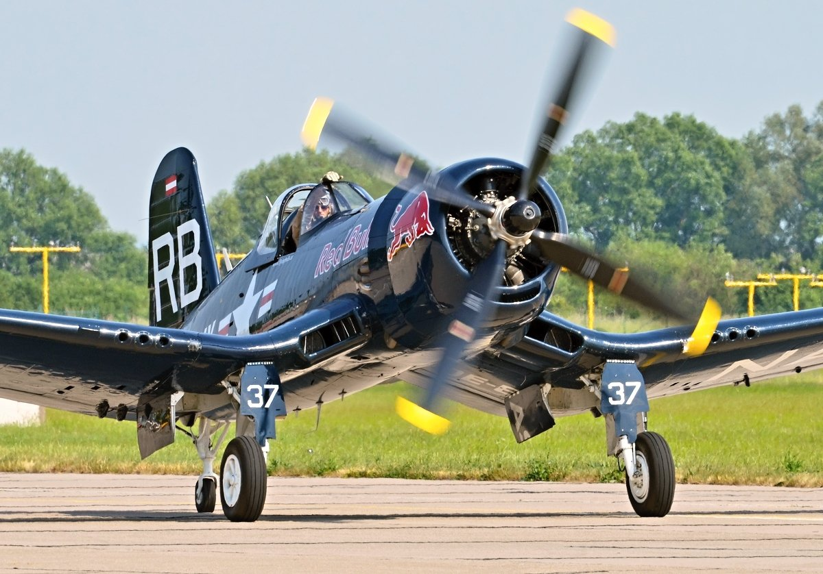 Vought F4U-4 Corsair   The Flying Bulls  OE-EAS