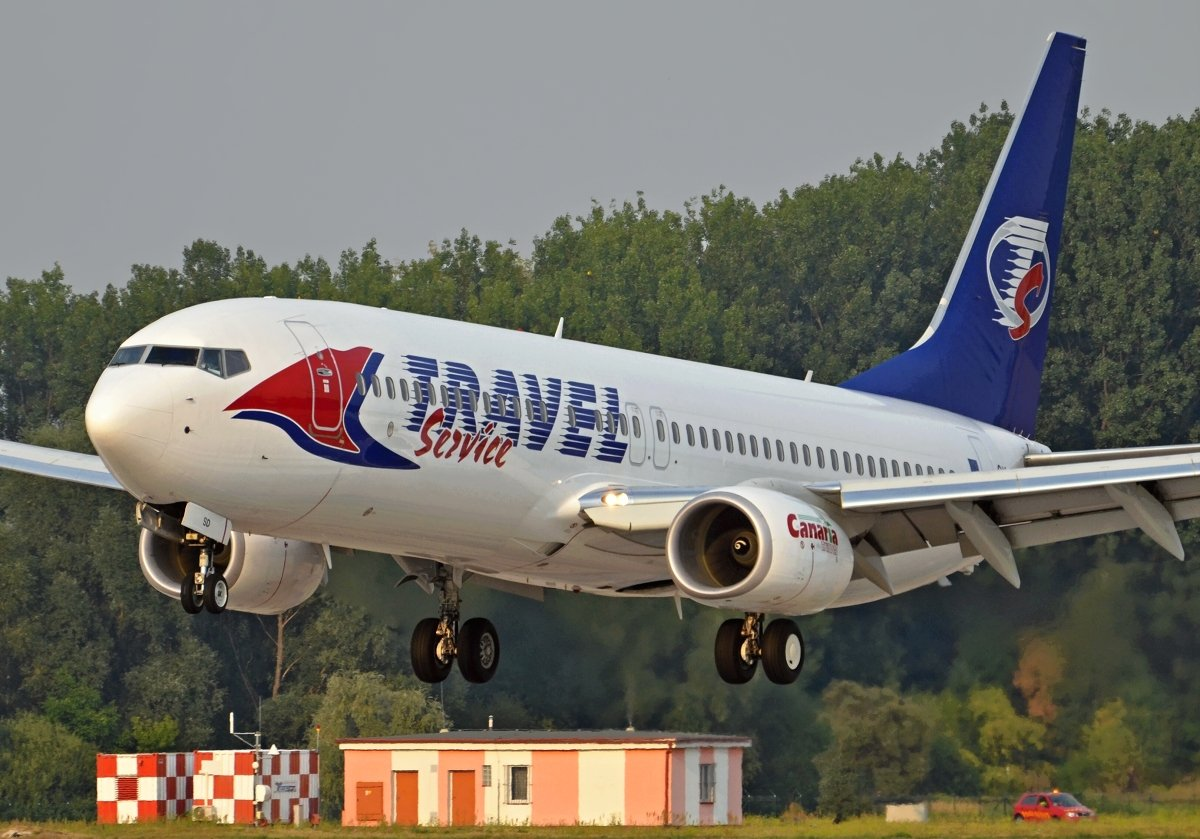 B737-8Q8    Travel Service    OK-TSD