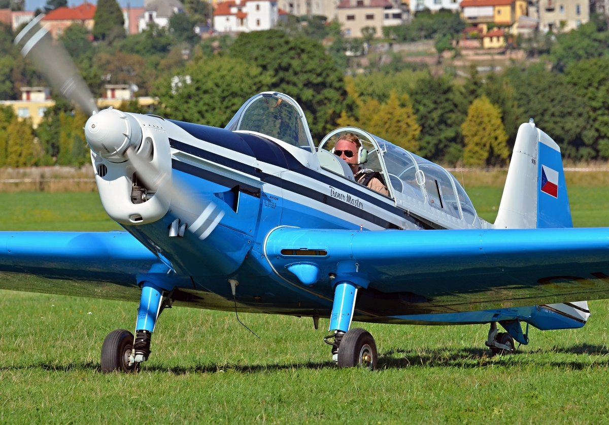 Z526M Vintage Aviation OK-VRC