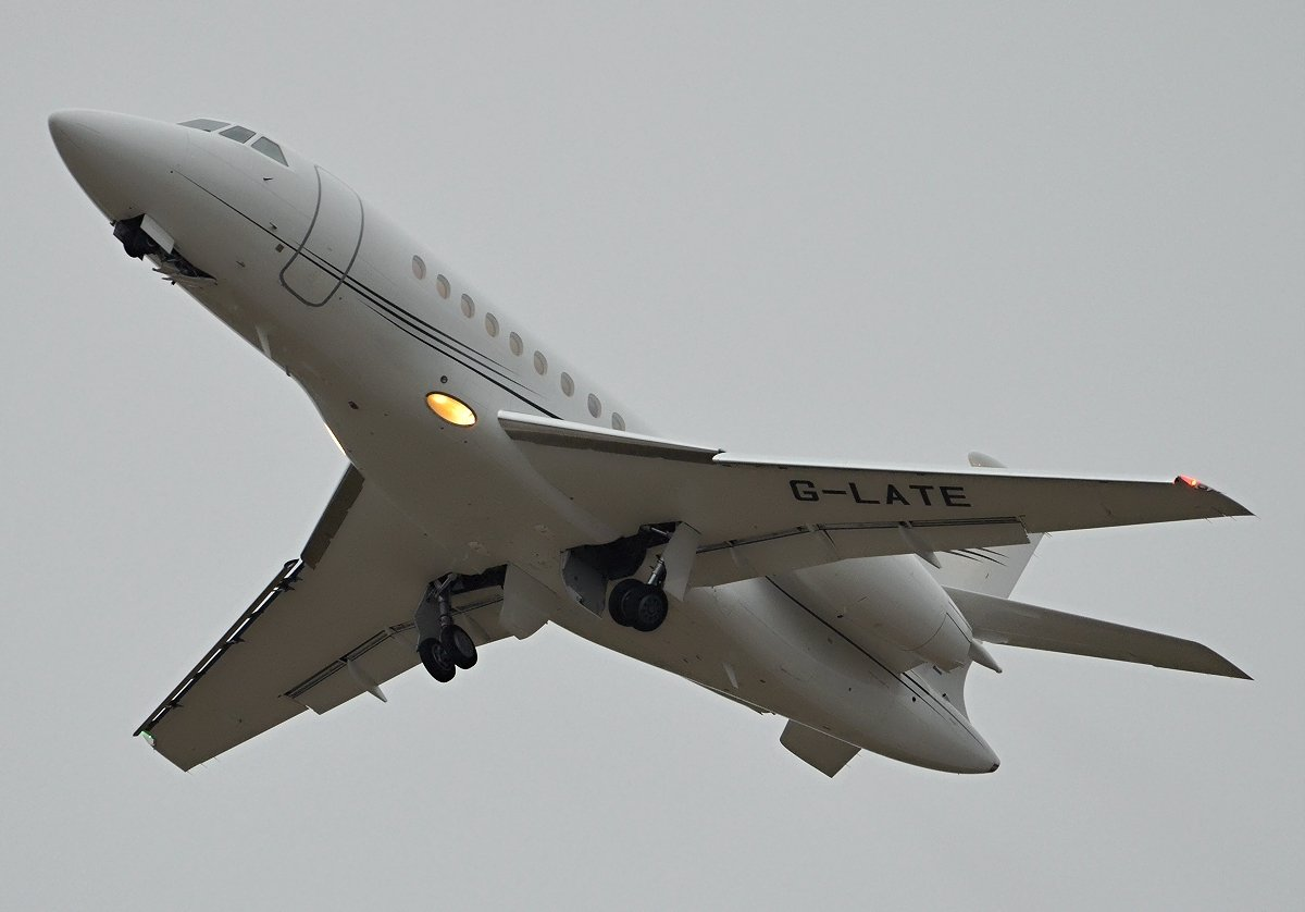 Falcon 2000EX Private  G-LATE