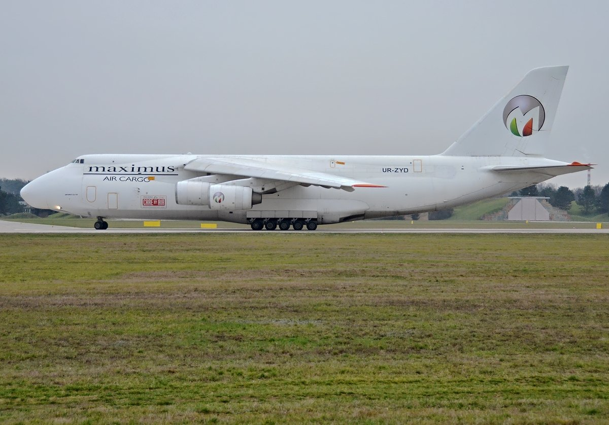 AN124-100 Maximus Air Cargo  UR-ZYD