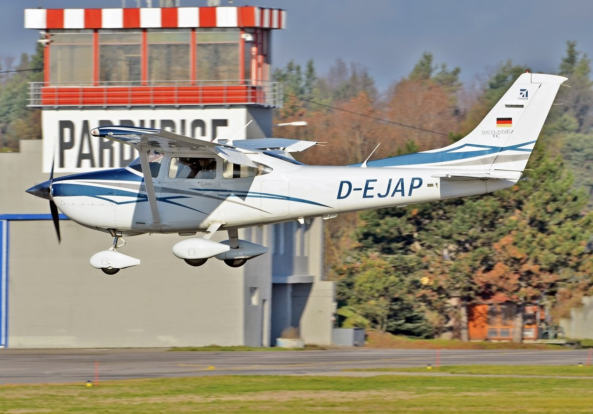 Cessna 182  Private  D-EJAP
